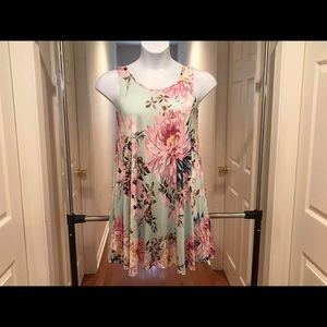 Dresses & Skirts - Women's dress